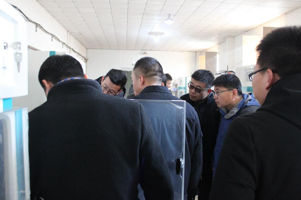 参观博医康冻干机生产车间