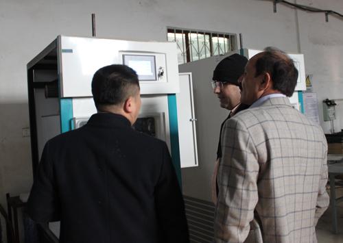 考察冻干机产品-海外客户访问北京博医康4