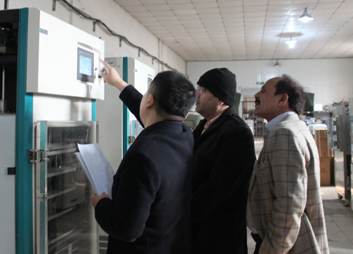 考察冻干机产品-海外客户访问北京博医康3